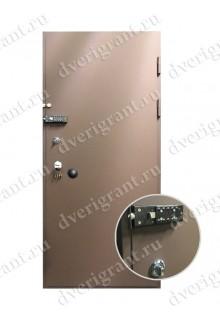 Недорогая металлическая бронированная дверь - модель 01-005