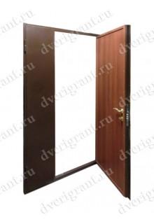 Металлическая двухстворчатая дверь для частного дома - модель 21-008