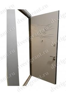 Нестандартная металлическая дверь в квартиру для старого фонда - 24-93